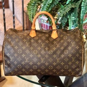 😍Large😍 Louis Vuitton Speedy 40